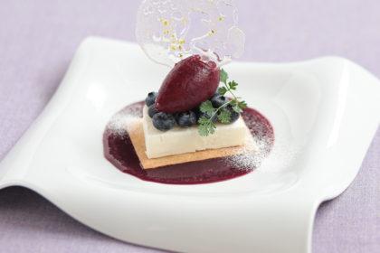 ブルーベリーとヨーグルトセミフレッドケーキ