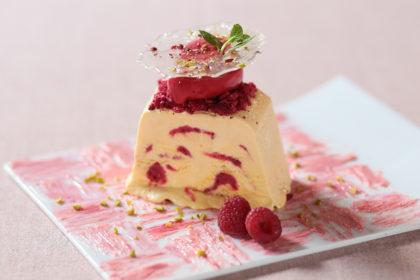 フランボアーズのセミフレッドケーキ